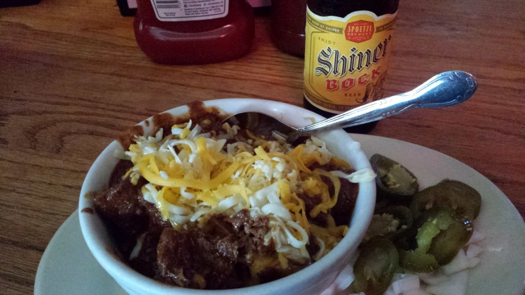 Texas Chili Parlor chili and a Shiner Bock