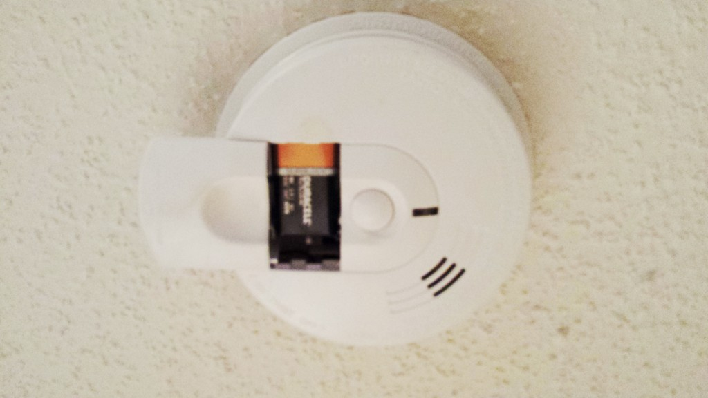 changing smoke detector battery